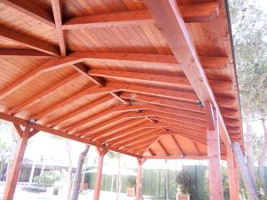 cenador de madera para patio exterior