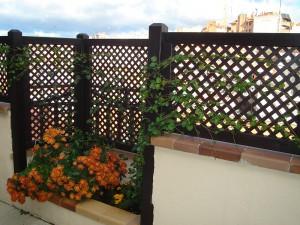 valla con celosías para decorar jardinera de terraza