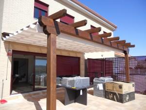 pérgola de madera, terraza de casita