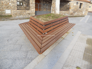 jardinera decorativa para exterior en madera