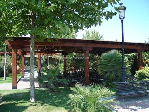 porche exterior en madera de roble tratada