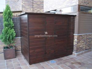 armario para jardin hecho completamente en madera y a medida