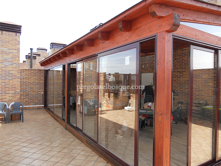 Porches y garajes de madera para en madrid y toledo for Tipos de toldos para patios