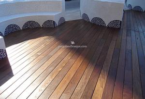 suelo de madera a medida para terraza exterior
