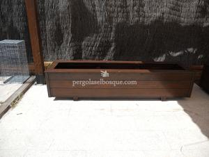 jardinera de madera a medida fabricada por Pérgolas El Bosque
