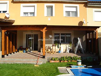 porches de madera para aprochar parte de la terraza del jardin en dias malos