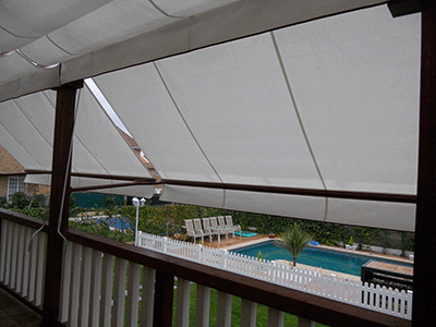 toldos elegantes en blancos para balconada exterior