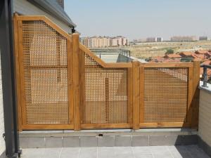 celosías de separación de terraza a distinta altura