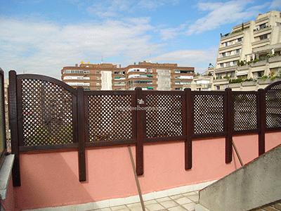Celos as de madera para terraza y jard n madrid toledo for Muro de separacion terraza