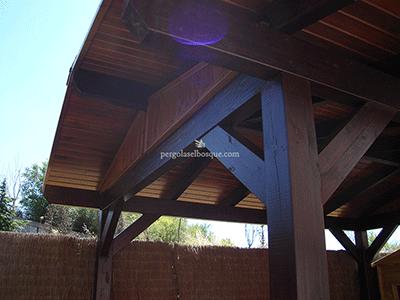 cenador en madera, arquitectura singular antigua
