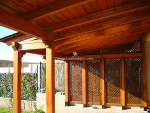 porche de madera hecho a medida como garage