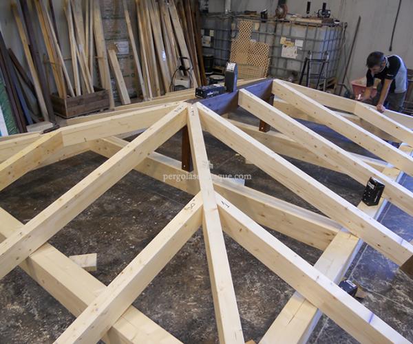 estructura de vigas de cenador de madera