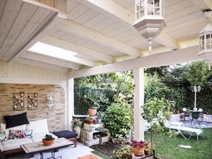 porche para jardin hecho en madera